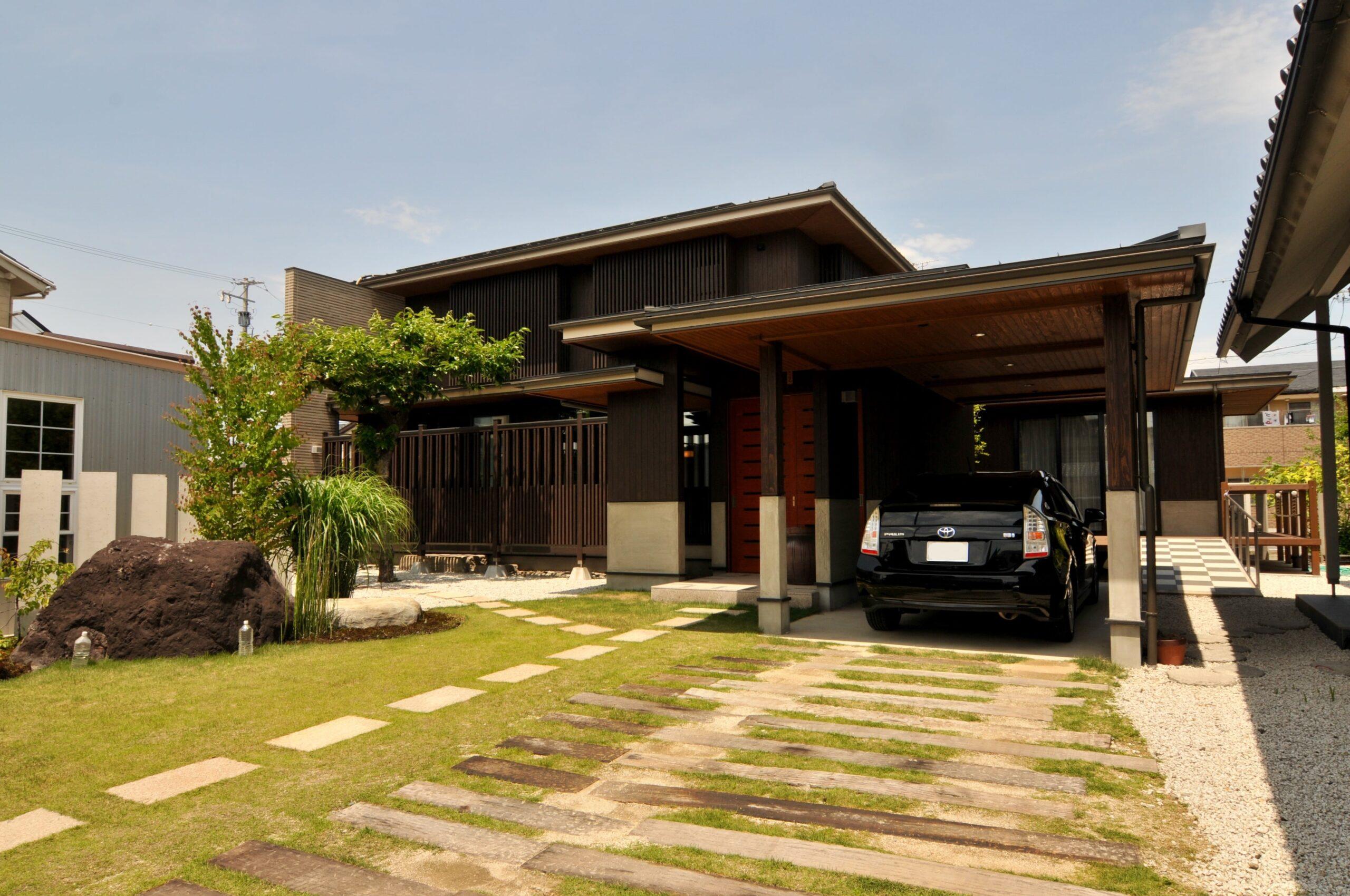 「創業40年の工務店」一級建築士事務所、愛知・小牧市「和田建設」が設計デザイン・改築リフォームした、愛知県名古屋市の注文住宅です。