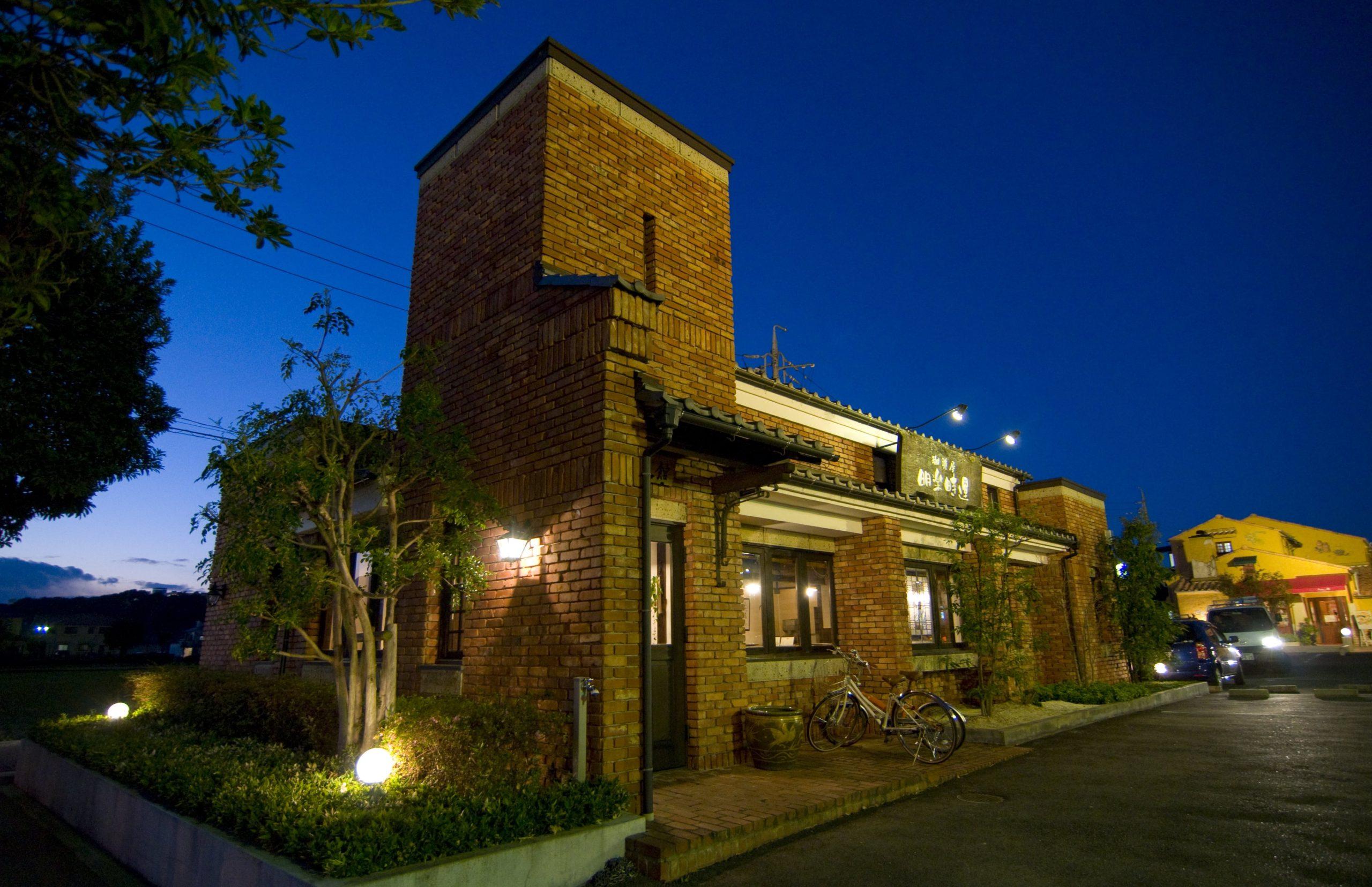 「創業40年の工務店」一級建築士事務所、愛知・小牧市「和田建設」が設計デザイン・建築した、愛知県春日井市のカフェです。